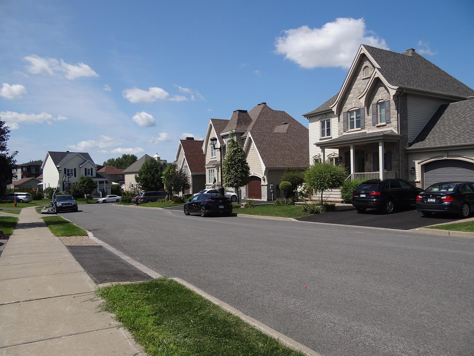 Maisons sur la rue De la Colonelle