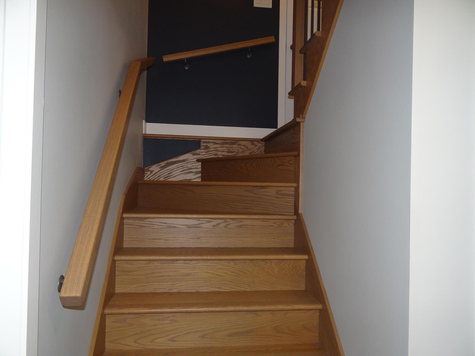 escaliers de chêne brossé