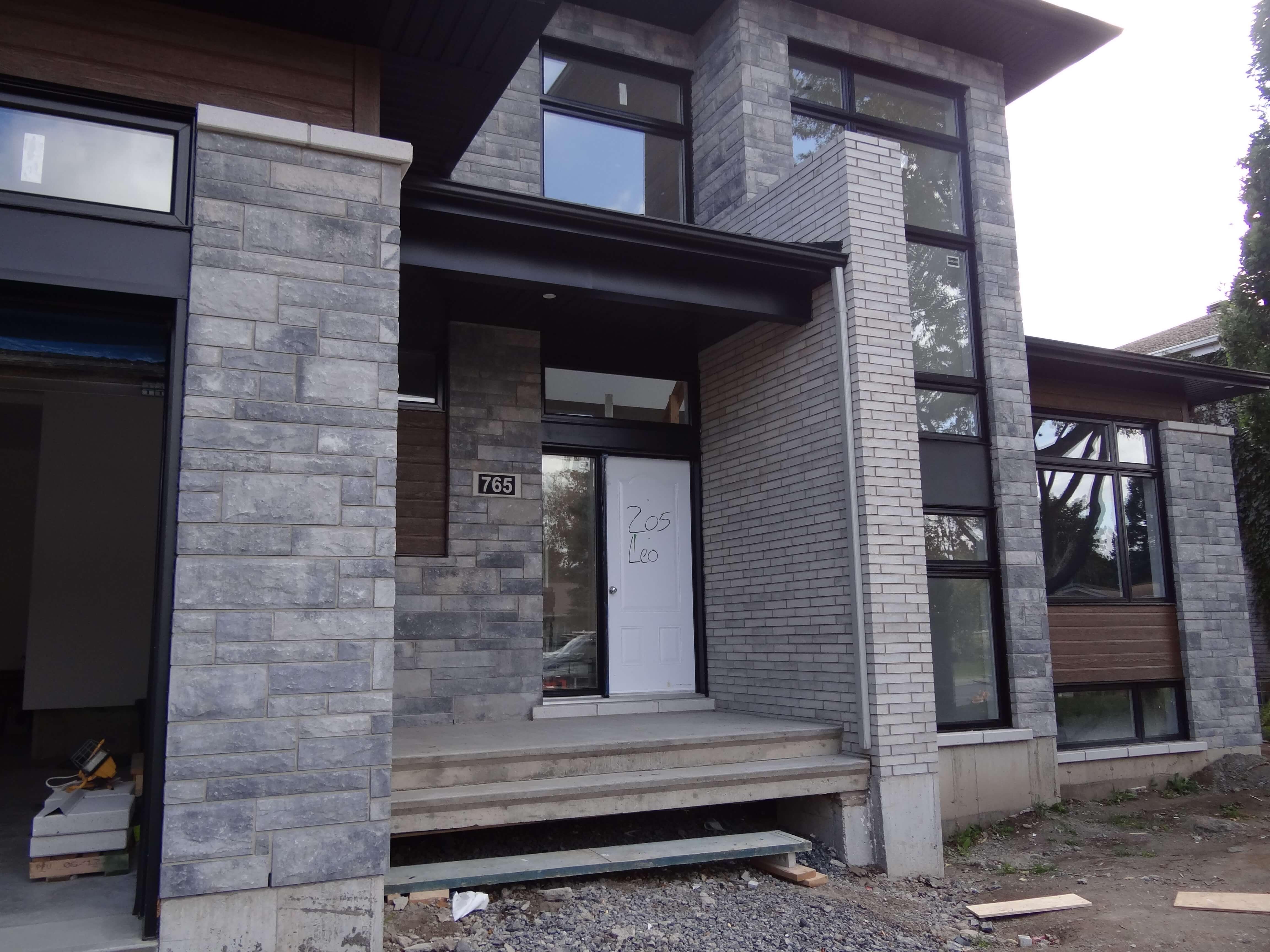 Habitations ÉnerGIK - Finition extérieure - mélange brique et pierre